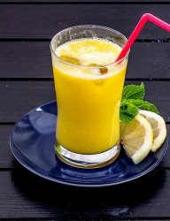 Banana Mango Smoothie, probably too addictive due to its incredible freshness | CookingGlory.com