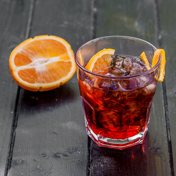 A great apéritif, Negroni is made from gin, vermouth and bitter and it is an IBA Official Cocktail.