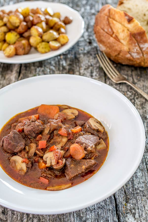 A delicious way to prepare elk if you don't like it on bbq | CookingGlory.com #game #elk #stew